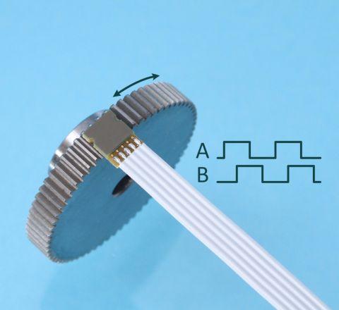 Miniature Inductive Gear Speed Sensor ID1102G with ferromagnetic gear module 0.5